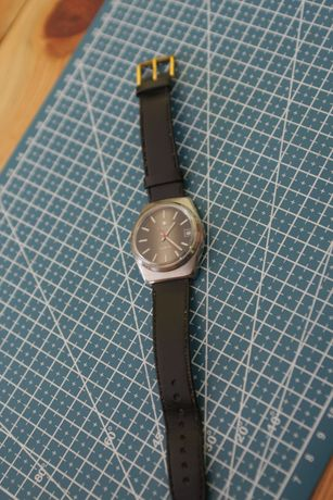 """Немски мъжки кварцов часовник от 1979 година """"Юнгханс"""""""
