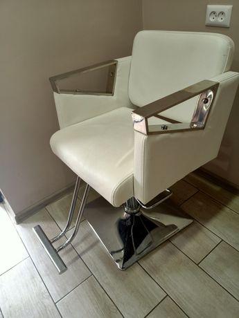 Продаю кресло для парихмахерской