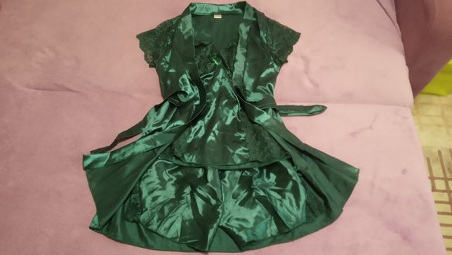 Новый атласный комплект (халат, майка, шорты)