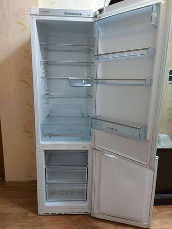 Шикарный холодильник Bosch (Бош)