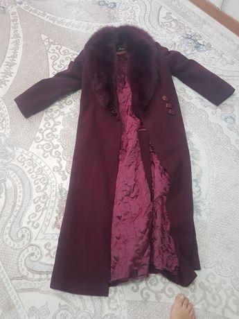 Продам зимнее кашемировое  пальто