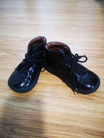Pantofi  copii din piele lacuita, marimea 21