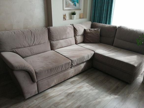 Продавам разтегателен ъглов диван с лежанка