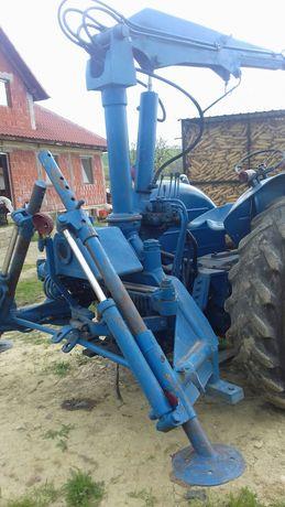 incarcator forestier macara  pe tractor