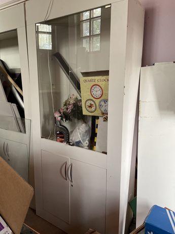 Продам шкаф-витрину