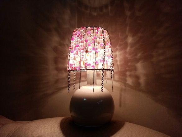 Нощна лампа с мъниста
