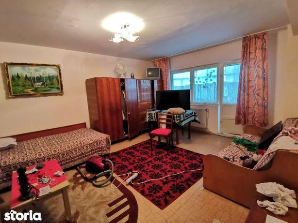 Apartament 2 camere, decomandat, mobilat si utilat, zona Mioritei