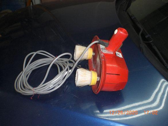 Четка електрическа за почистване на теракот и фаянс,може и пране килим