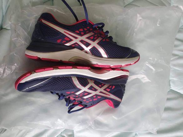 Женски маратонки и кецове Nike, Asics