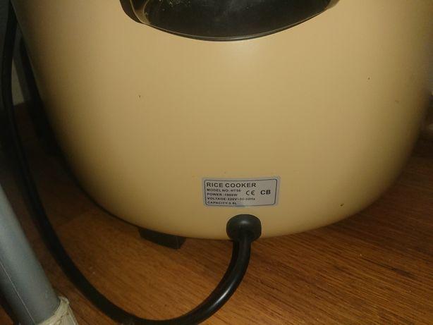 Рисоварка 5.6 литра