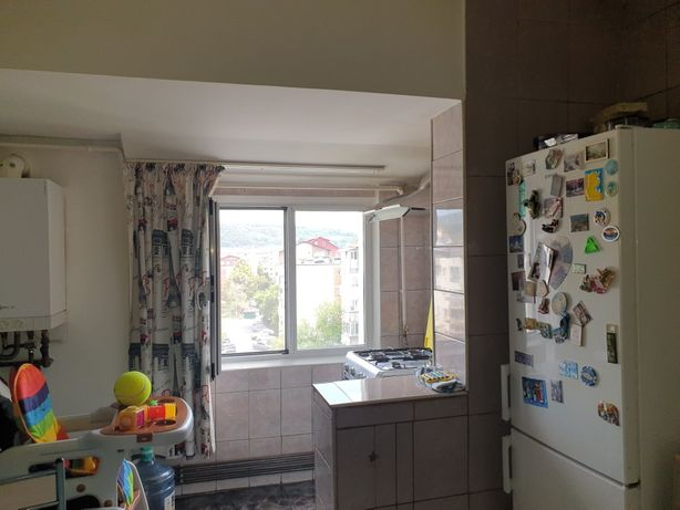 Vând apartament 4 camere, ultracentral