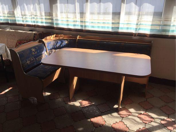 Продам кухонный мебель
