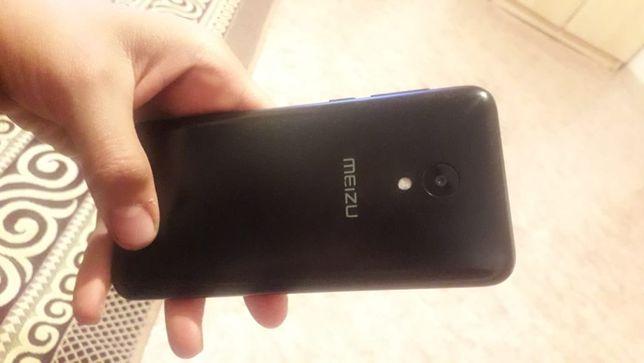 Продам телефон Meizu C9 pro