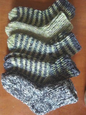 Вязаные носки из натуральной шерсти с ангоройготовы к продаже