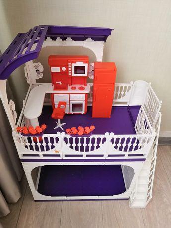 Детские игрушки, домик, кроватка