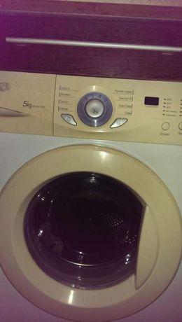 Продам фронтальную стиральную машинку lg wd-80132nu 5 кг
