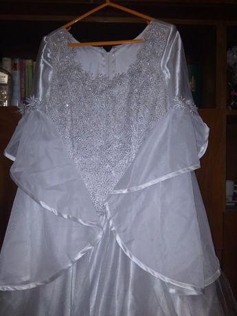 Красива сватбена рокля шита по поръчка