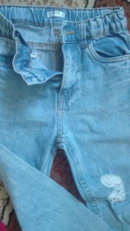 Lot blugi pantaloni tricouri 5/6 ani