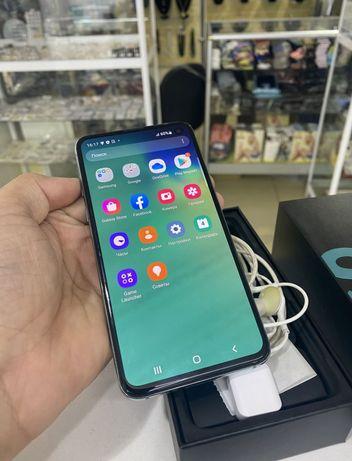 Продам Samsung s10e идеал