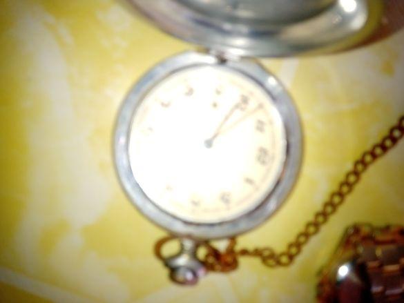 Старинни часовници молния и омакс