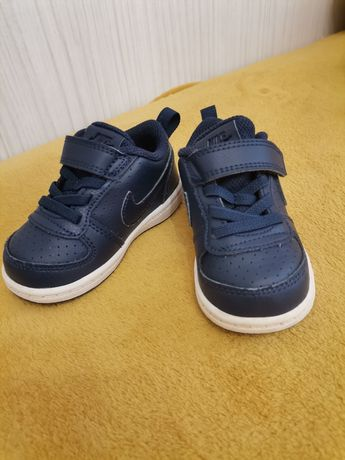 Adidași bebe Nike nr 21