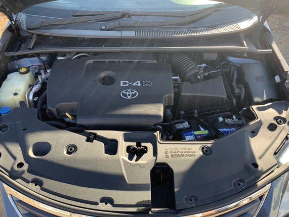Двигател  и скорости От Тойота 2.0 126 к.с 2010 ПЕРФЕКТНО СЪСТОЯНИЕ