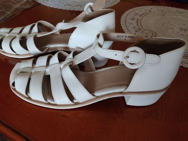 Туфли, сандали большого размера