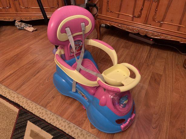 Mașinuță pentru copii 4 în 1, impecabilă !