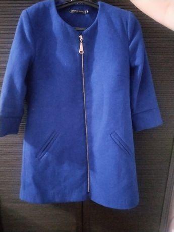 Продам Польто для девушек, красивого синего цвета