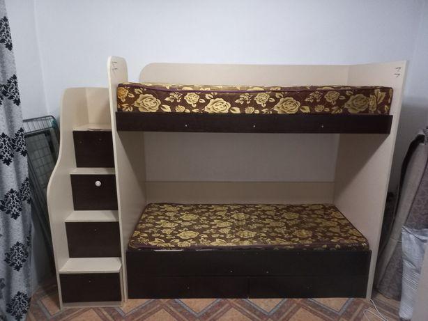 Продам двухяростную кровать!