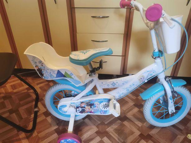 Vând bicicleta Frozen ca nouă