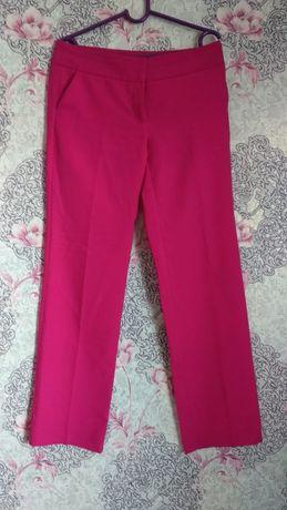 Брюки Odjii ,модного цвета фуксия,размер L,юбки классика