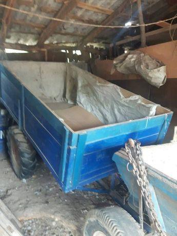 Vand remorcă tractor
