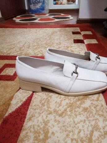 Pantofi piele nr 39