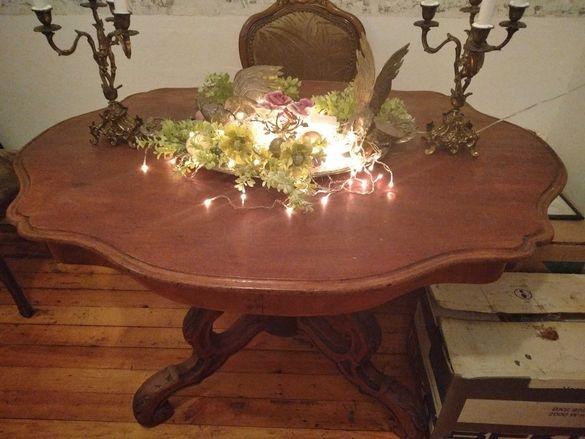 Старинна Антикварна барокова маса Луи с изящна дърворезба