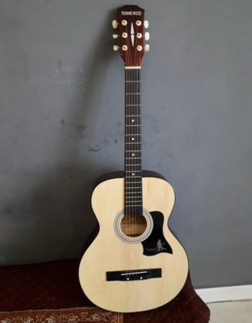 Срочно продаю гитару!!