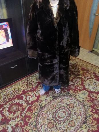 Шуба мутон 50р длинна 106 см