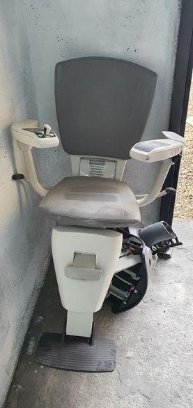 Инвалидни асансьорни столове