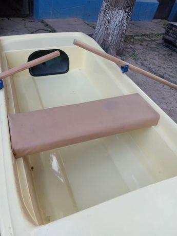 Лодка новая стеклопластик