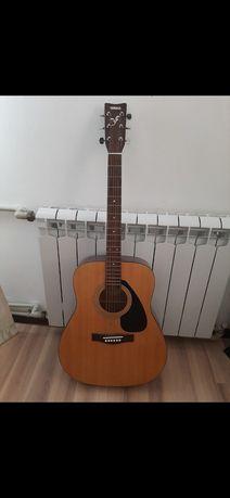 Продам гитару ямаха ф310