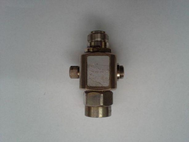 Dispozitiv de protectie la traznet a antenei,Telegartner tip N.