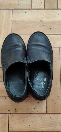 Туфли на мальчика продам