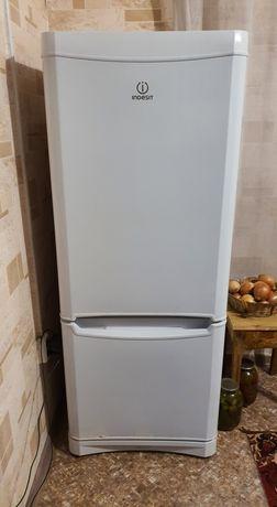 Холодильник Indisit