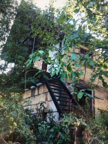 Дача в 7 км от Алматы возле Талгарской трассы с домом недостроенным.