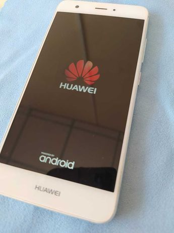 Смартфон HUAWEI Nova в идеальном состоянии