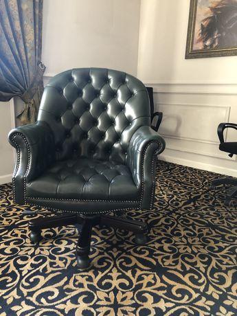 Кожаная мебель в кабинет руководителя