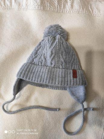 Продам детскую теплую шапку