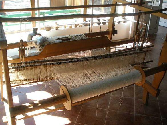Дървен стан за тъкане
