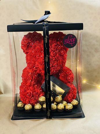 Мече от рози Подарък за бал сватба рожден ден жена