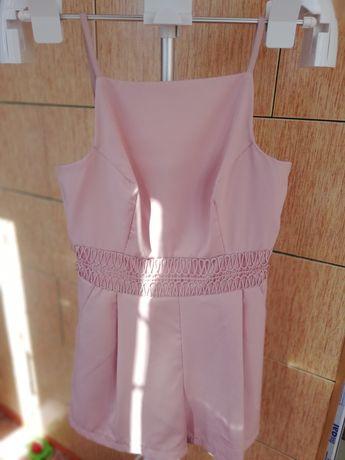 Продам вот такой миленький комбинезон шорты, нежно розовый цвет